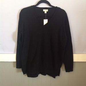 ❤️$5 section nwt solid black high low sweater med
